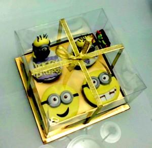 2D face dan 3D minions ... cucok banget buat kado adik, kakak dan teman atau sahabat dekat kamu ... :)