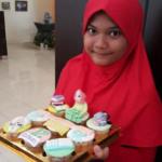 Raida dan cupcake cerianya.... Happy Bday yah anak cantiq...:)